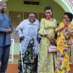 Le Président NDAYISHIMIYE  visite la maman de Feu NKURUNZIZA / BURUNDI