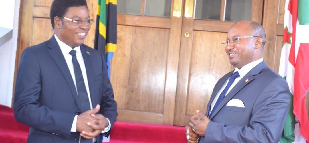 Brève rencontre entre les Premiers Ministres du BURUNDI et de TANZANIE à DAR ES SALAM