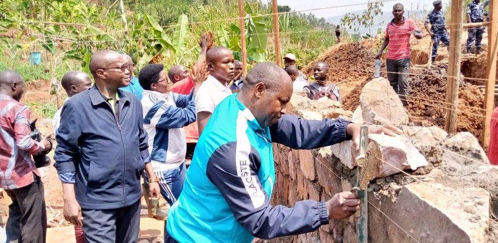 TDC – Construire un barrage d'irrigation à GIHOGAZI, KARUSI / BURUNDI
