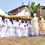Ordination de nouveaux prêtres dans différents diocèses
