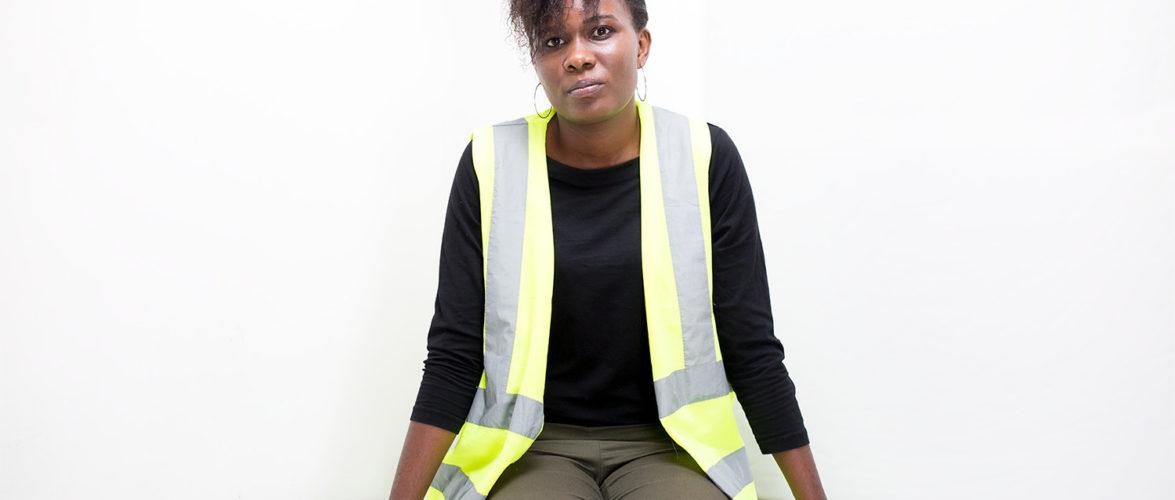 Une ingénieure aimant fabriquer les maisons préfabriquées / BURUNDI