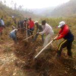 Travaux de Développement Communautaire  - Tracer des courbes de niveaux en colline RUCE à BUBANZA / BURUNDI