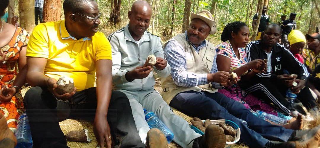 Le Ministre SHINGIRO à la fête communale chez lui en commune BUHIGA à KARUSI / BURUNDI