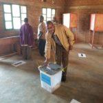 RUREMA vote chez lui en colline BUZIRAGUHINDWA, KAYANZA / BURUNDI