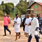 Le Président visite le labo des cultures in vitro de l'ISABU , MWARO / BURUNDI