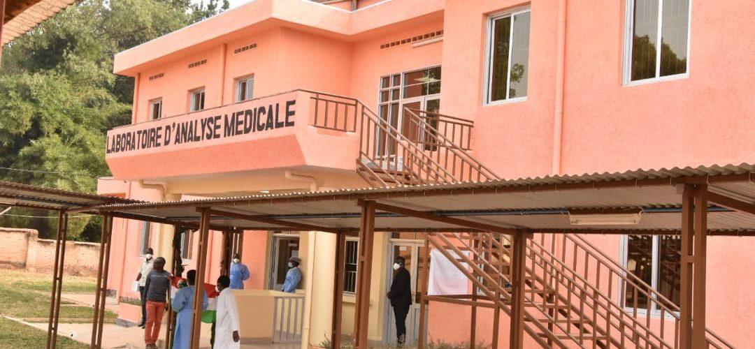 Inauguration du laboratoire régional d'analyse médicale,  RUYIGI / BURUNDI