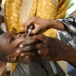 """La """"polio"""" éradiquée en Afrique, quatre ans après les derniers cas au Nigeria"""