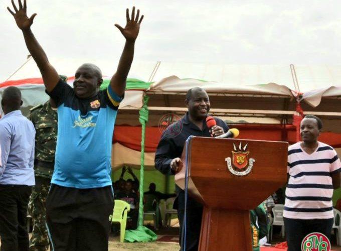 Le Chef de l'Etat présente solennellement le gouverneur de Ngozi