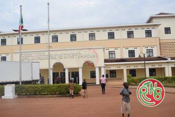 Karusi: le ministre de la santé visite certains hôpitaux