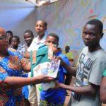 Distribution du matériel scolaire à 160 jeunes en commune KANYOSHA, BUJUMBURA / BURUNDI