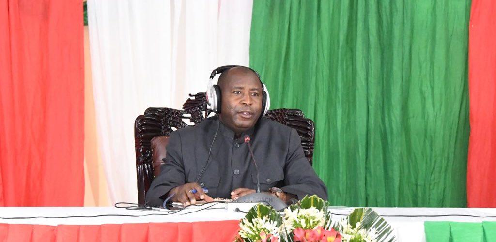 1ère émission publique du Chef d'Etat du BURUNDI , S.E. NDAYISHIMIYE Evariste ( Général Major)