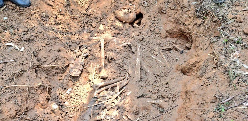 GENOCIDE CONTRE LES HUTU DU BURUNDI DE 1972 : 10 fosses communes à VUGIZO / MAKAMBA