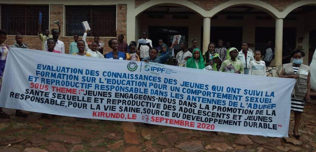 L'ABUBEF prime des jeunes formés en santé sexuelle à KIRUNDO / BURUNDI