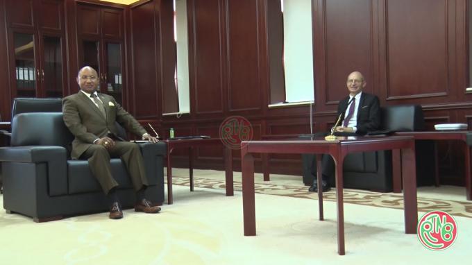 Le Premier Ministre reçoit en audience l'Ambassadeur de l'UE au Burundi