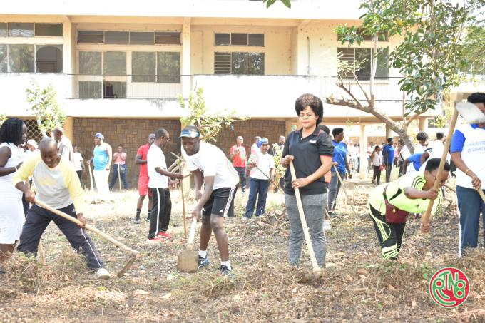 Mairie de Bujumbura: la ministre de la justice dirige les travaux d'intérêt communautaire