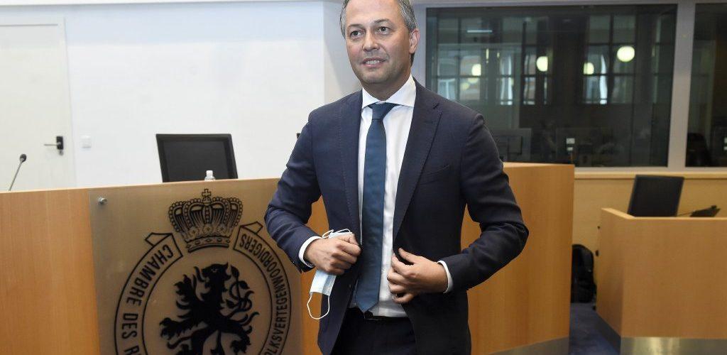 Formation fédérale en Belgique : Le préformateur Egbert Lachaert en quarantaine