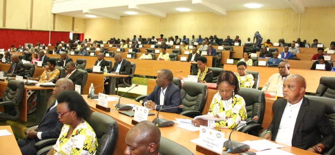 L'Assemblée nationale vote la retraite à 60 ans / BURUNDI