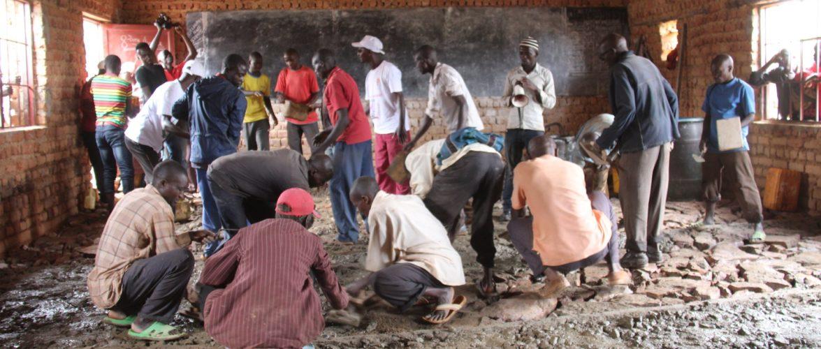 TRAVAUX DE DEVELOPPEMENT COMMUNAUTAIRE :  Paver des salles de classes de 2 écoles de RUTANA / BURUNDI