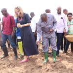 Le Chef d'Etat lance la saison culturale A à KANYOSHA, BUJUMBURA / BURUNDI