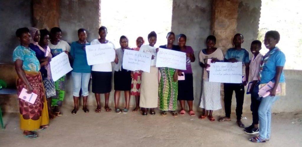 Les Dames et Filles du VICOBA en commune KANYOSHA célèbrent la Journée Internationale de la Fille, BUJUMBURA / BURUNDI