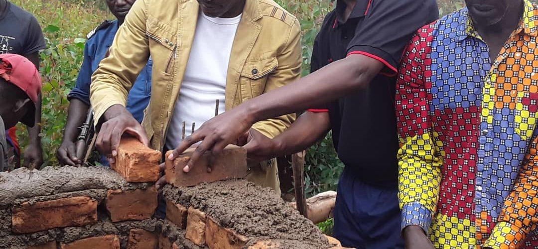 BURUNDI : TRAVAUX DE DÉVELOPPEMENT COMMUNAUTAIRE  – Construction d'une église en colline NGARA, KIGANDA / MURAMVYA