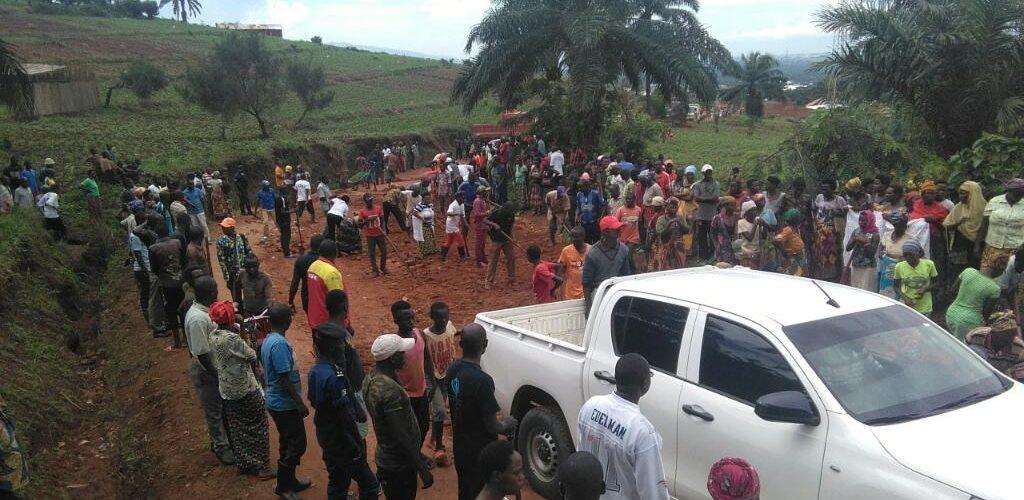 BURUNDI : TRAVAUX DE DEVELOPPEMENT COMMUNAUTAIRE  – Entretien d'une route de la commune RUGAZI à BUBANZA
