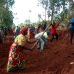 TRAVAUX DE DEVELOPPEMENT COMMUNAUTAIRE - Construction d'une route menant vers la colline KINGA, KAYANZA / BURUNDI