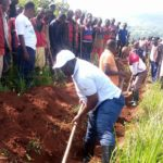BURUNDI : Travaux de Développement Communautaire - Tracer des courbes de niveaux à NTEGA, KIRUNDO