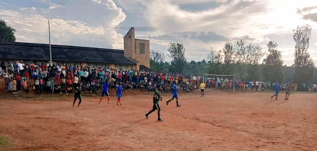BURUNDI : Match de football amical organisé par une sénatrice à MURAMVYA