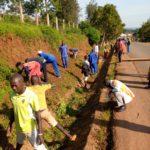 BURUNDI : TRAVAUX DE DEVELOPPEMENT COMMUNAUTAIRE - Défricher les abords des routes en zone KIRUNDO