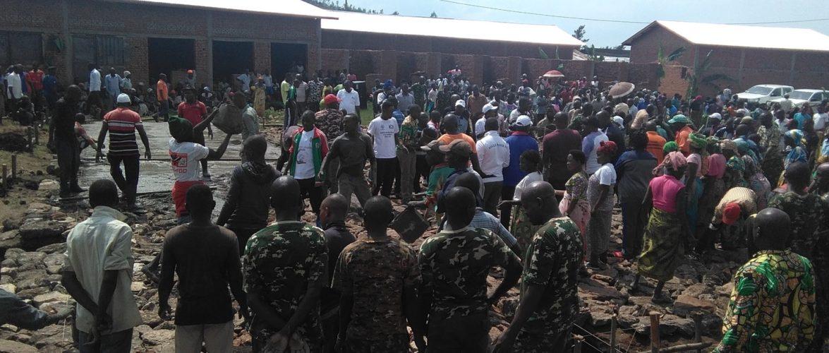 BURUNDI : TRAVAUX DE DEVELOPPEMENT COMMUNAUTAIRE – Paver le marché de RUGUNGA en construction à GIHANGA / BUBANZA