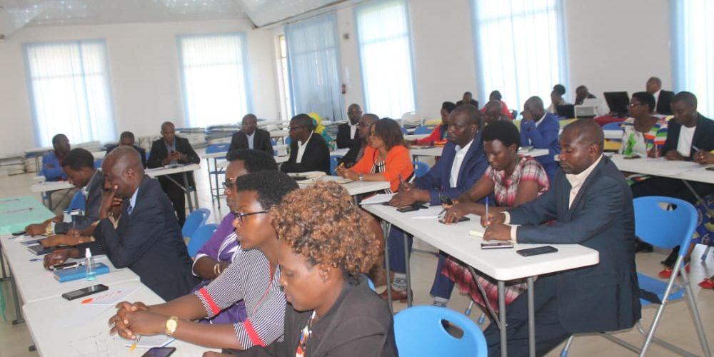 BURUNDI : L'ombudsman rencontre gouverneurs et administrateurs à KAYANZA