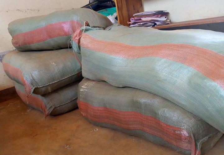 BURUNDI : Saisie de 540 paquets contenant des sachets en plastique à MABANDA / MAKAMBA