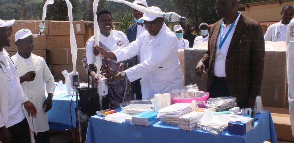 BURUNDI : Réception d'équipements médicaux aux hôpitaux de CANKUZO et MURORE