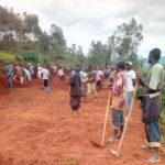 BURUNDI : TRAVAUX DE DÉVELOPPEMENT COMMUNAUTAIRE - Construire une route menant à la colline KIVOMWA, NYABIHANGA / MWARO