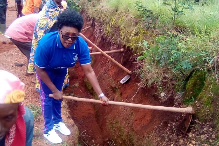 BURUNDI : TRAVAUX DE DEVELOPPEMENT COMMUNAUTAIRE – Maintenance de la route GATABO-RUVUMU-KIGANDA / MURAMVYA