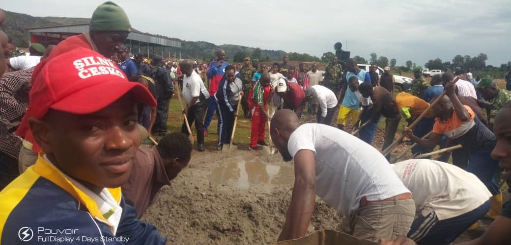 BURUNDI : TRAVAUX DE DEVELOPPEMENT COMMUNAUTAIRE – Construction du stade moderne de CANKUZO