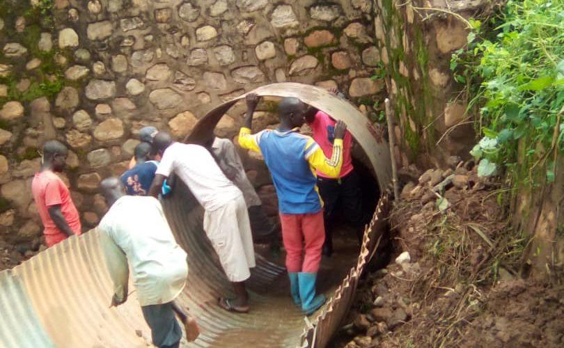 BURUNDI : TRAVAUX DE DEVELOPPEMENT COMMUNAUTAIRE – Réparer le pont reliant les communes de MAKAMBA à BURURI