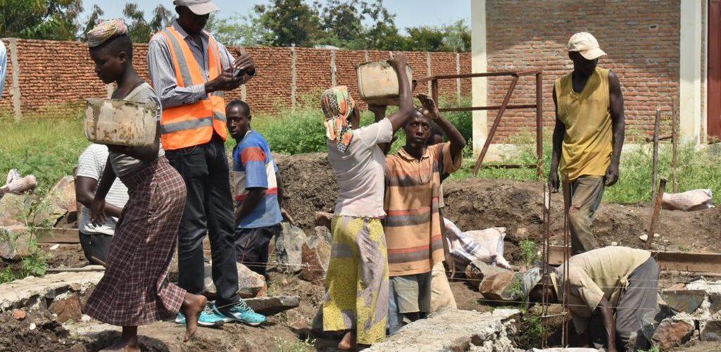 BURUNDI : Visite du chantier en cours au CENTRE DE SANTE DE KARWEMA / BUBANZA
