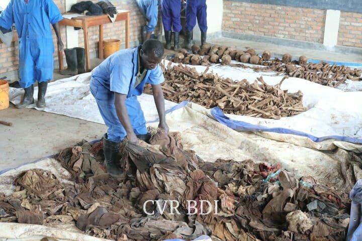 GENOCIDE CONTRE LES HUTU DU BURUNDI EN 1972 / CVR : les ossements de 251 citoyens découverts à BURURI
