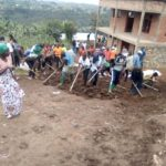 BURUNDI : TRAVAUX DE DEVELOPPEMENT COMMUNAUTAIRE -  Déblayer une route à MURAMVYA