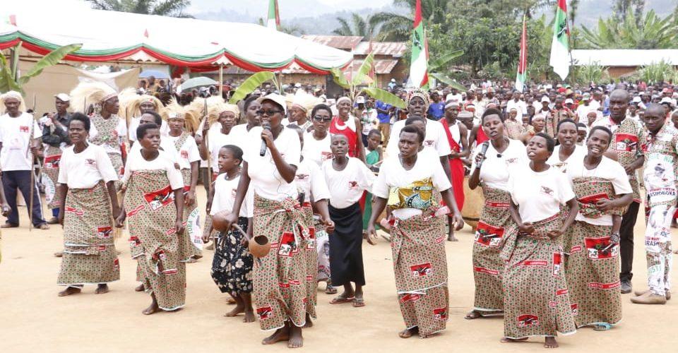 BURUNDI : Les BAGUMYABANGA de MUSIGATI fêtent la victoire du CNDD-FDD en 2020 / BUBANZA