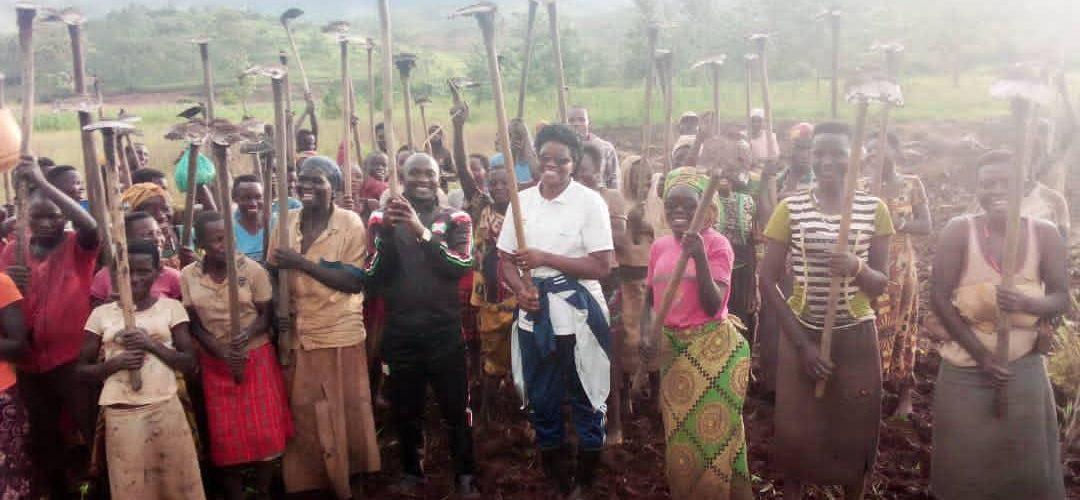 BURUNDI : Visite d'une coopérative en colline BUKIRASAZI à NYABIBUYE / KARUSI