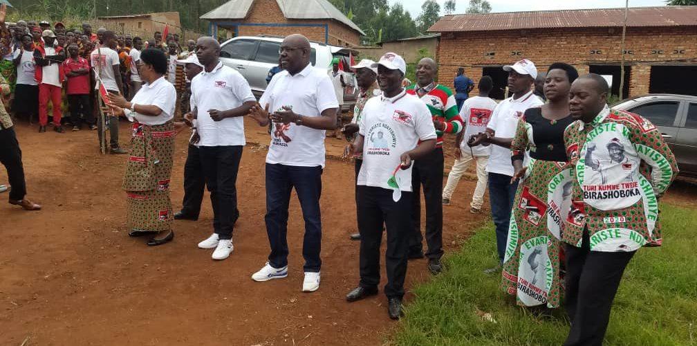 BURUNDI : Les BAGUMYABANGA de MWUMBA fêtent la victoire du CNDD-FDD en 2020 /NGOZI