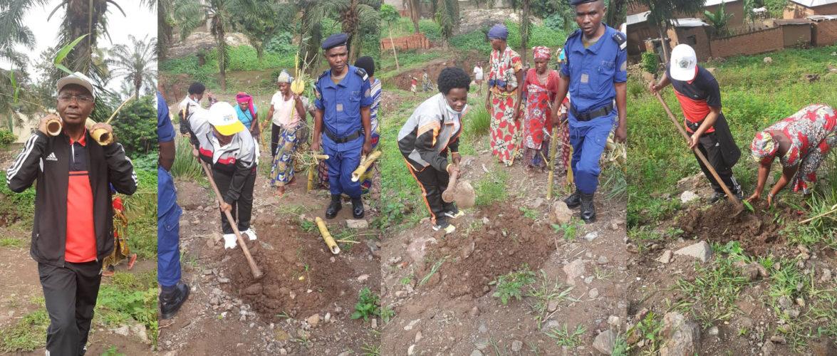 BURUNDI : TRAVAUX DE DÉVELOPPEMENT COMMUNAUTAIRE – Planter des bambous sur la montagne à  GITAZA / RUMONGE