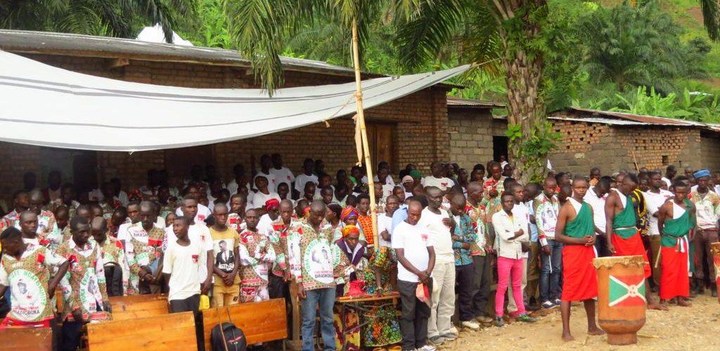 BURUNDI : Les BAGUMYABANGA de MUHUTA fêtent la victoire du CNDD-FDD en 2020 /RUMONGE