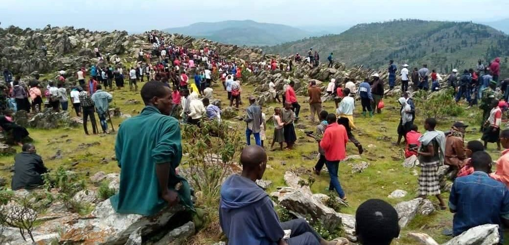 BURUNDI : Planter 7.000 arbres en colline MWARUSI au massif de KIBIMBI / BURURI