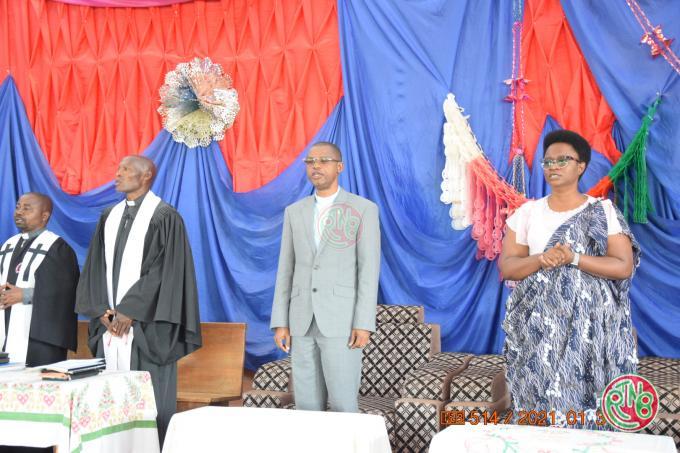 Ruyigi: le Président du Sénat appelle la population de Gisuru à bien gérer leur production agricole
