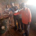 BURUNDI : Les fabricants de charbons écologiques de KIBAGO / MAKAMBA