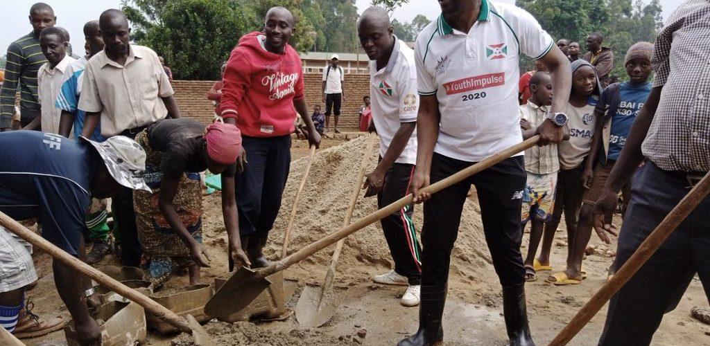 BURUNDI : TRAVAUX DE DEVELOPPEMENT COMMUNAUTAIRE – Un futur STADE SPORTIF à BENGA et un GÎTE à RUSHUBI / BUJUMBURA
